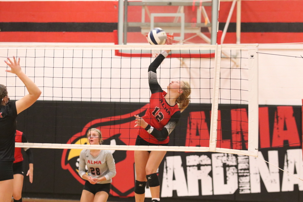 Cardinals Volleyball Struggled  against Trojans and Vikings